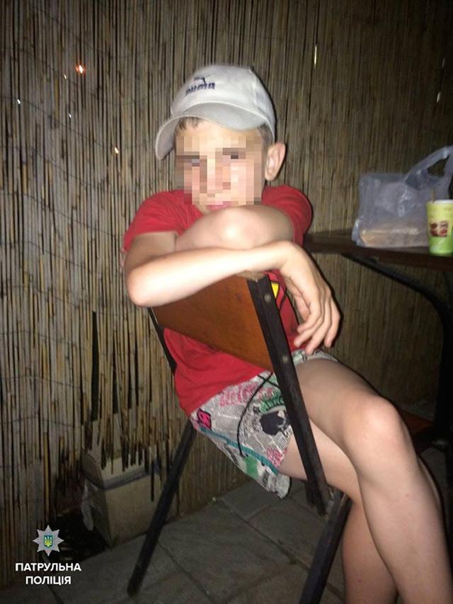 Патрульні повернули додому 13-річного мандрівника, якого розшукували батьки