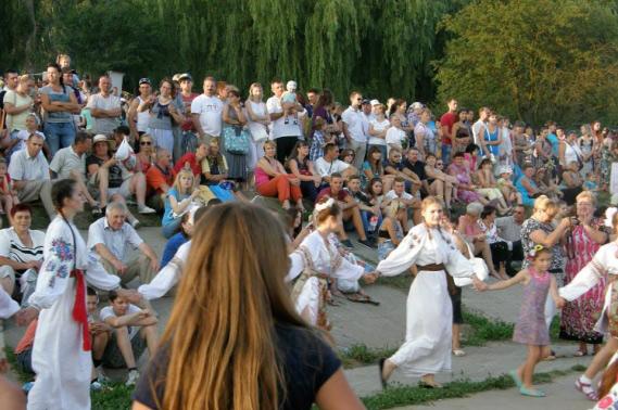 """В четвер у Парку Дружби Народів відбудеться святкова програма """"Купальський пікнік"""""""