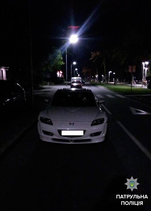 Вінницькі поліцейські на вулиці Пирогова зупинили водія під кайфом