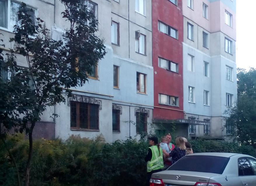 Бійці служби «101» врятували трьох дітей із задимленої квартири
