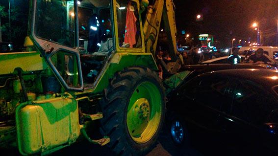 П'яний вінничанин вкрав трактора та протаранив дві іномарки