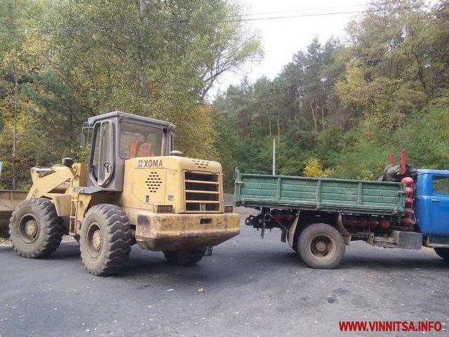 Близько 200 тонн львівського сміття, яке потай привезли вночі на Вінниччину, вивезуть назад