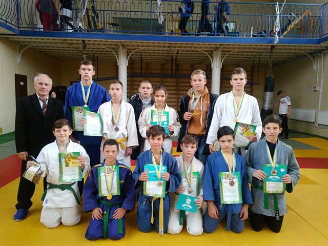 На чемпіонаті області з дзюдо вихованці 5-ї спортивної школи вибороли 15 призових місць