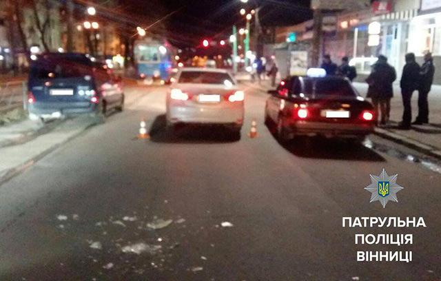 """На вул. Замостянській не розминулись """"Тойота"""" і """"Таврія"""". Водій останньої від переляку втік з місця ДТП"""