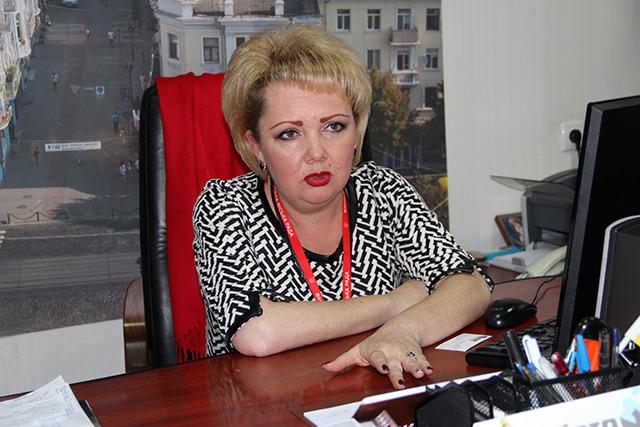Директор департаменту адмінпослуг Ірина Копчук обіцяє, що найближчим часом послуги прозорих офісів стануть ще ближчими до людей