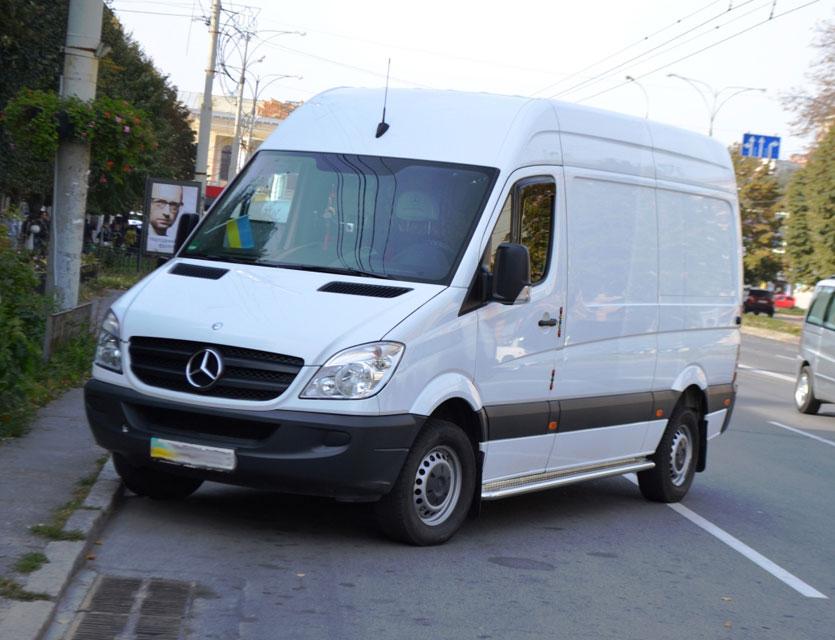 Працівники ДАІ нагадали вінницьким водіям про правила паркування у місті