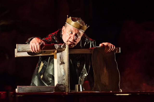 Шекспір і сучасність: кривава боротьба за владу у п'єсі театру Франка Річард ІІІ на вінницькій сцені