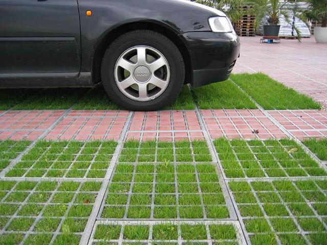 Шість еко-парковок облаштують по вулиці 600-річчя