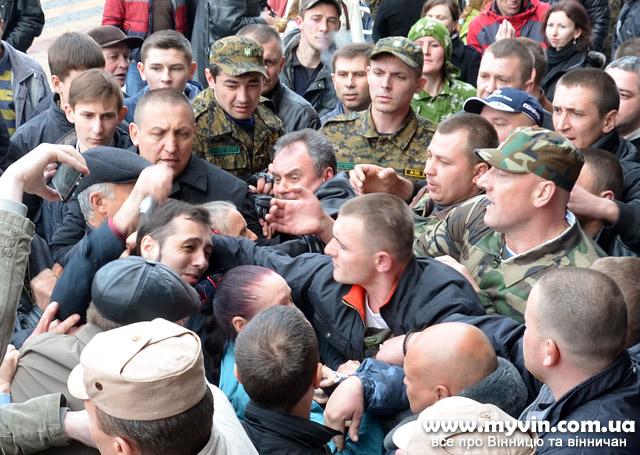 Під мерією Хорт з Малиновським знову робили картинку для російських ЗМІ?