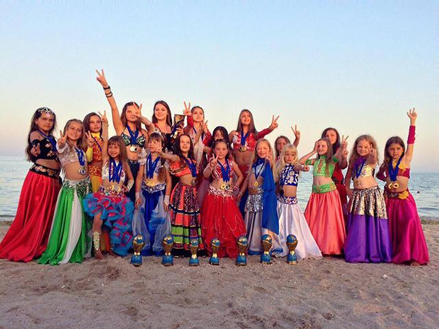 """Танцівниці студії """"Шахіна"""" привезли до Вінниці Гран-прі міжнародного фестивалю """"Східна німфа 2017"""""""