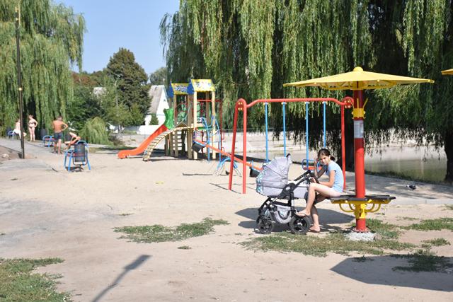 У Вінниці завершується впорядкування території біля озера по вулиці Ватутіна