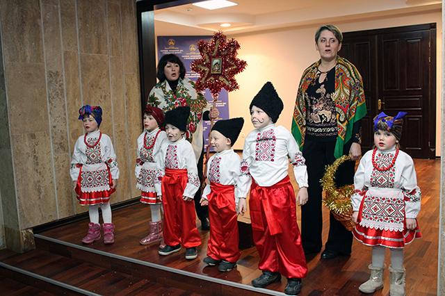 Вінницьким податківцям защедрували малюки з дитячого будинку «Малятко»