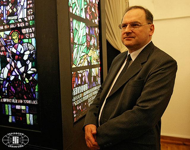 Інтерв'ю з Надзвичайним і Повноважним Послом Польщі в Україні Генриком Літвіном