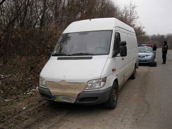 На Вінниччині затримали чоловіка, який віз у своєму авто понад 300 пляшок елітного алкоголю