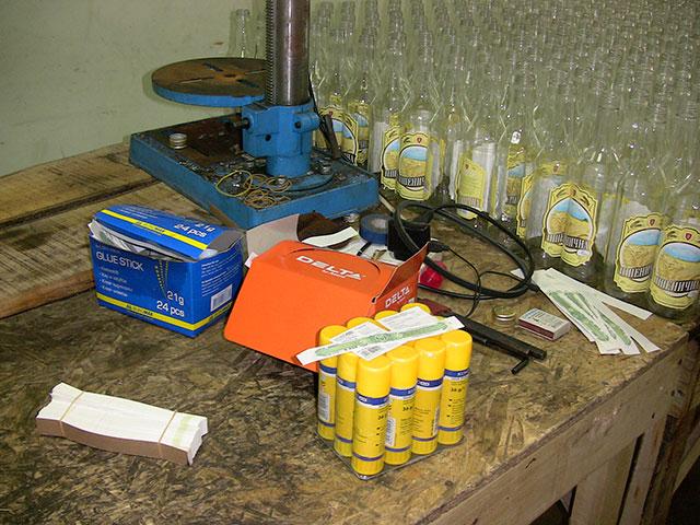 30-річний вінничанин організував підпільний горілчаний цех