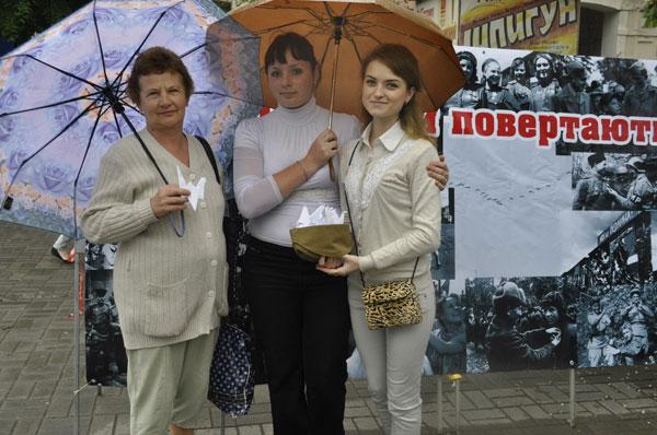 флеш-акція «Журавлі пам`яті» у Вінниці