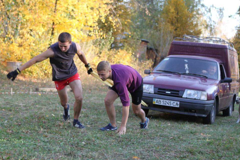 Студентство Вінниччини відзначило День Українського козацтва, змагаючись у спортивних богатирських іграх «Козацькі забави»