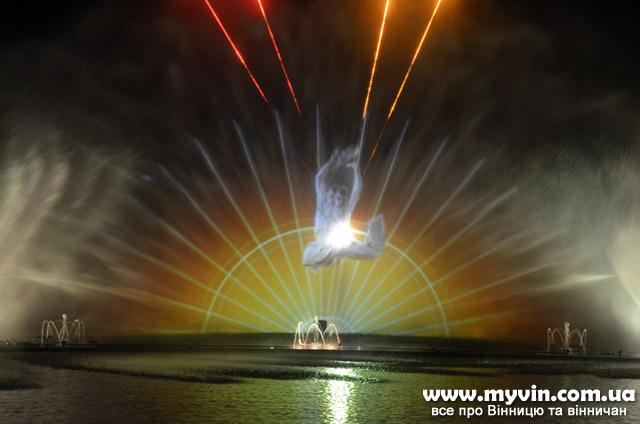 Один з найвидовищніших фонтанів світу показався із новою патріотичною програмою