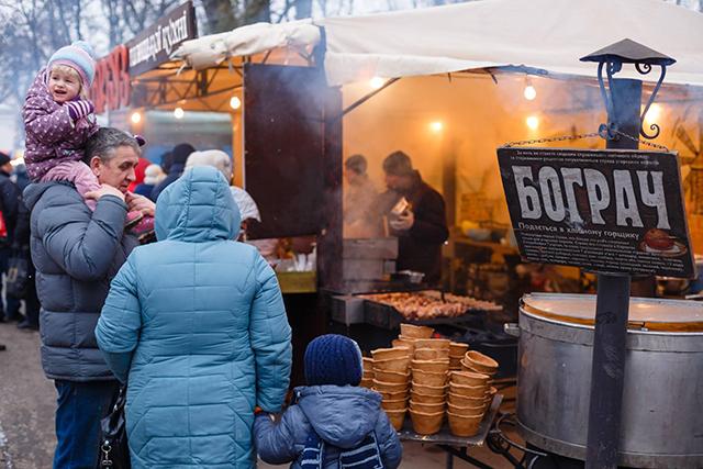 В центральному парку стартував перший день смачного фестивалю «Vinnytsia Food Fest»