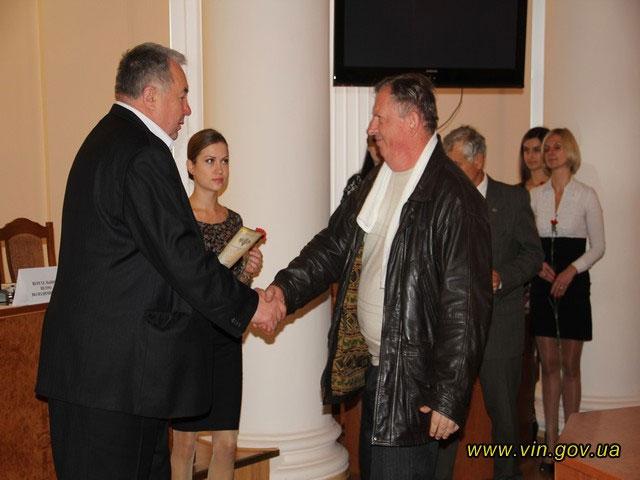 В обласній адміністрації дорожників та автомобілістів Вінниччини вітали з професійним святом, фото-4