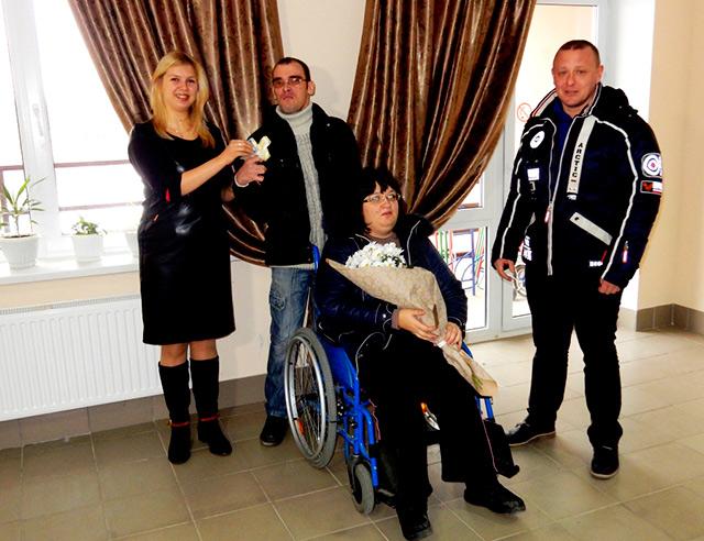 За сприяння депутатів БПП «Солідарність» родина з особливими потребами Малець отримала кімнату гуртожитку в Ладижині