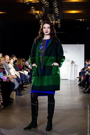 Дні моди: гармонійні пальто, костюми та сукні у осінньо-зимовій колекції Людмили Квєтної «Рівновага»