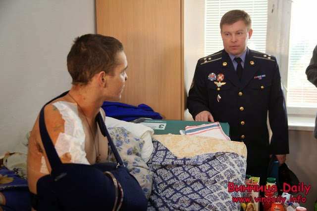 Легендарний полковник Мамчур провідав поранених колег у вінницькому госпіталі