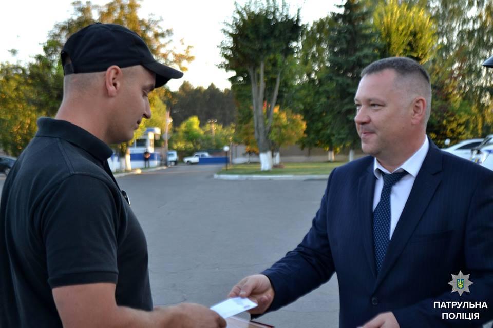 Двом вінницьким патрульним вручили грамоти за вагомий внесок у боротьбу зі злочинністю