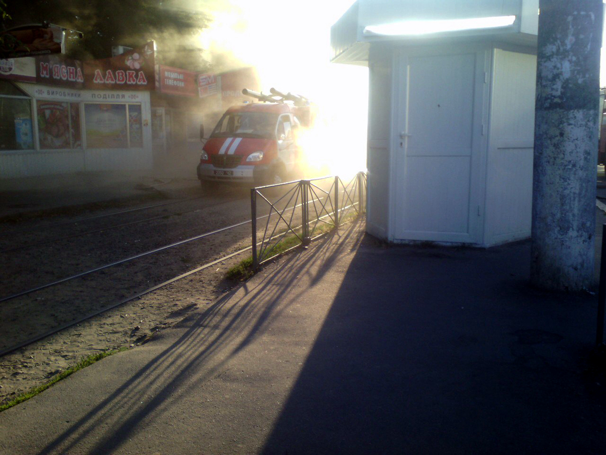 Рятувальники ліквідували пожежу в магазині мобільного зв'язку