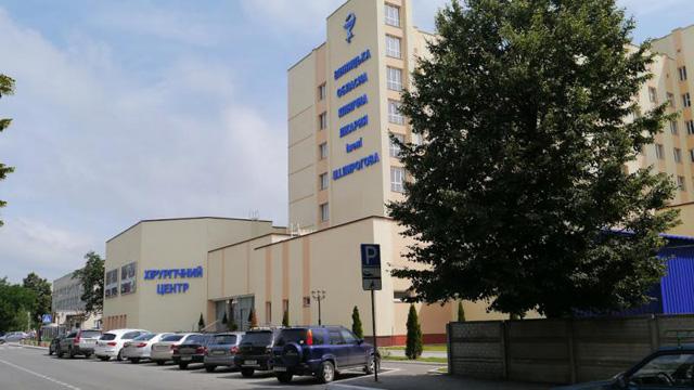 Яценюк поставив Вінницю у приклад іншим і пообіцяв розібратись із добудовою хірургії у «Пироговці»