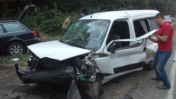 У Немирівському районі зіштовхнулись Citroen та Audi: одна людина загинула