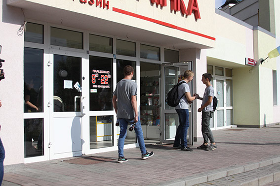 На Вишеньці в двох із семи перевірених магазинів продали алкоголь неповнолітнім