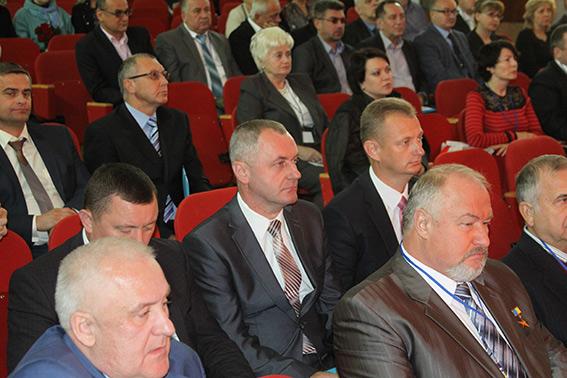 У Хмільнику триває конференція по медико-психологічній реабілітації бійців АТО