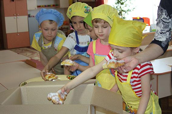 Вінницькі дітлахи відправили посилку... сепаратистам на Донбасі