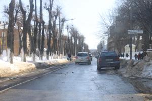 Комунальні служби звертаються до вінничан не залишати автомобілі на узбіччях