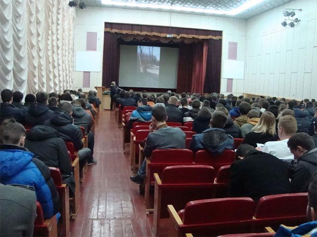 Вінницька волонтерка Юлія Вотчер розповіла студентам ВНТУ про реалії життя воїнів на передовій