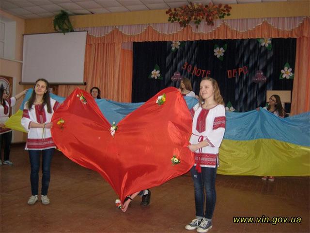 Лідери учнівського самоврядування Вінницького району поділились досвідом із учнями Калинівки