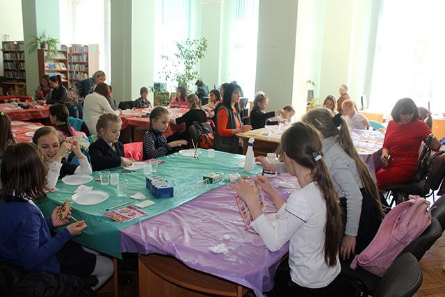 У Вінниці пройшла передсвяткова Великодня акція для дітей - сиріт