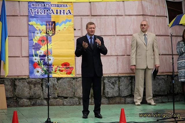 У центрі Вінниці студенти профтехучилищ демонстрували свої навчальні заклади на фестивалі-ярмарці