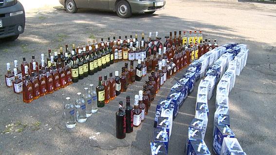 Вінничанин перевозив у своєму авто партію елітного алкоголю без акцизу та будь-яких документів