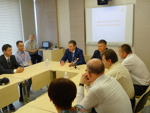 Апарат Верховної Ради України переймає досвід Вінниці щодо впровадження електронних сервісів