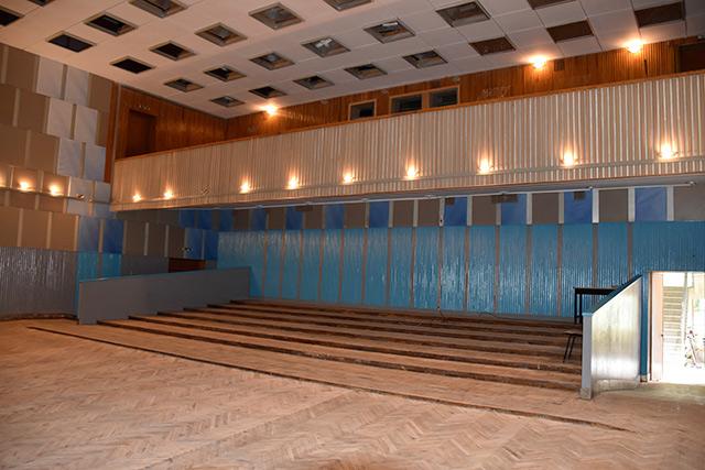 В Міському палаці мистецтв триває ремонт глядацької зали, сходів та балкону