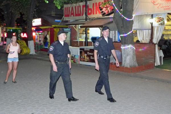 """Вінницький """"Ягуар"""" затримав двох грабіжників у Одесі"""