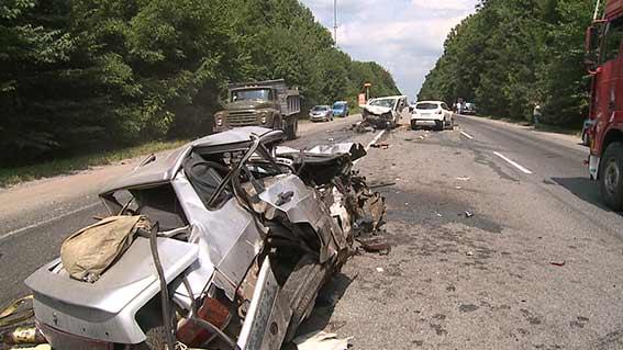 Двоє водіїв, які постраждали в жахливій аварії на об'їзній дорозі 30 липня, загинули в лікарні