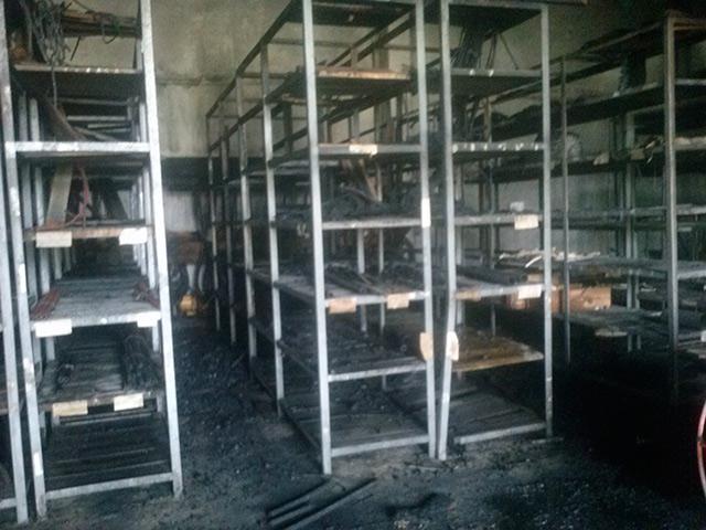 На вул. Чехова на території авіаремонтного заводу горіли склади