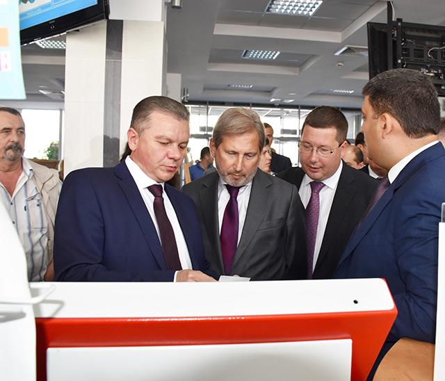 Свій візит до Вінниці Єврокомісар Йоганнес Ган розпочав з відвідування Прозорого офісу