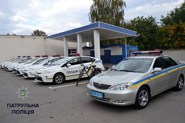 """Вінничанам показали """"кухню"""" патрульної поліції"""