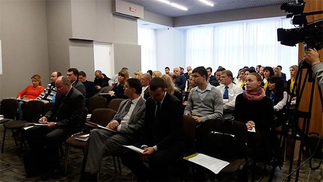 """На """"Ярмарок кредитів"""" у Вінниці зібрались близько сотні представників малого та середнього бізнесу"""