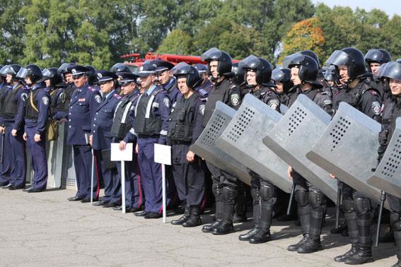 """Вінницькі правоохоронці припинили масові безпорядки під час """"хвилі"""""""