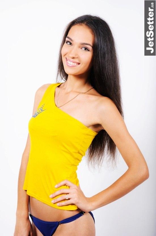 У конкурсі «Міс Україна 2014» змагаються аж дві вінничанки, але поки що… віртуально